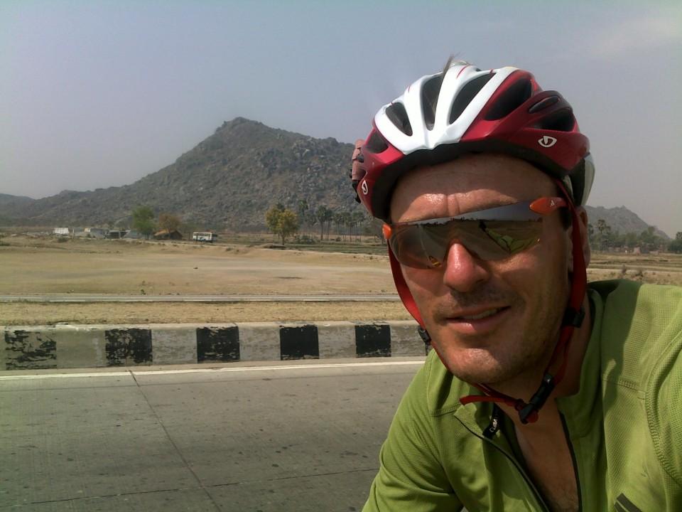 Vin Cox heading east in Bihar towards Jharkhand on NH2.